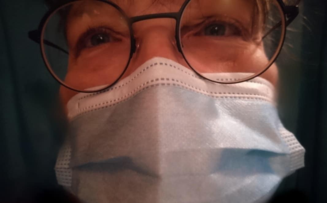 Klumme: Hvem skjuler masken?